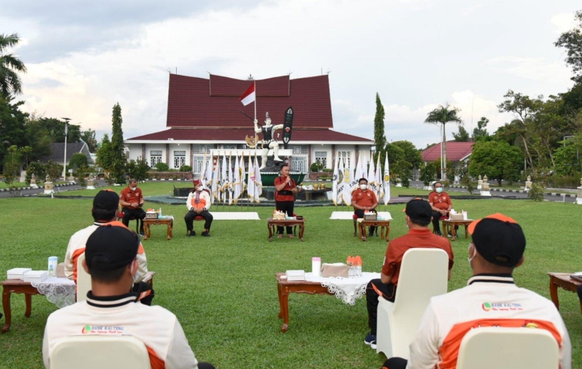 Lepas Kontingen Kalteng, Gubernur: Kobarkan Semangat Isen Mulang di PON XX Papua