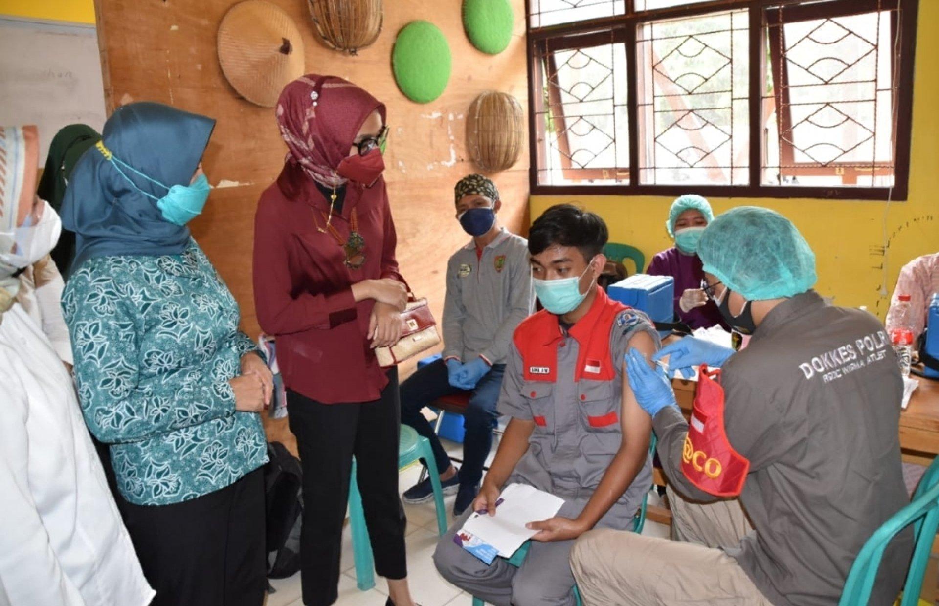 Tinjau Vaksinasi Anak Sekolah, Ketua TP PKK Kalteng Kunjungi Sukamara Hari Ini