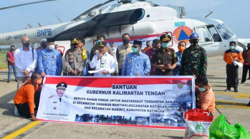 Gubernur Kalteng Lepas Pengiriman Bantuan Untuk Korban Banjir Melalui Jalur Udara