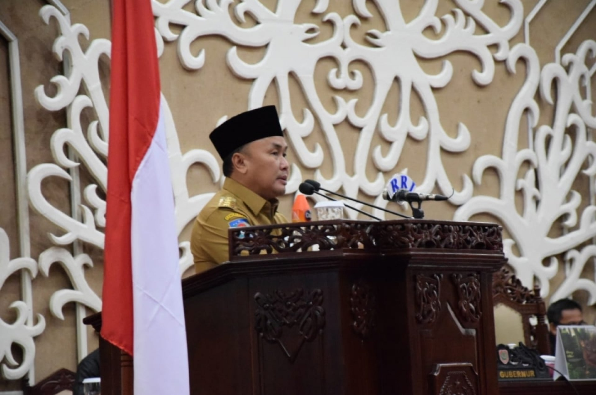 Gubernur Kalteng Sampaikan Jawaban Atas Pemandangan Umum Fraksi DPRD Terhadap Raperda Cagar Budaya dan Pengelolaan DAS
