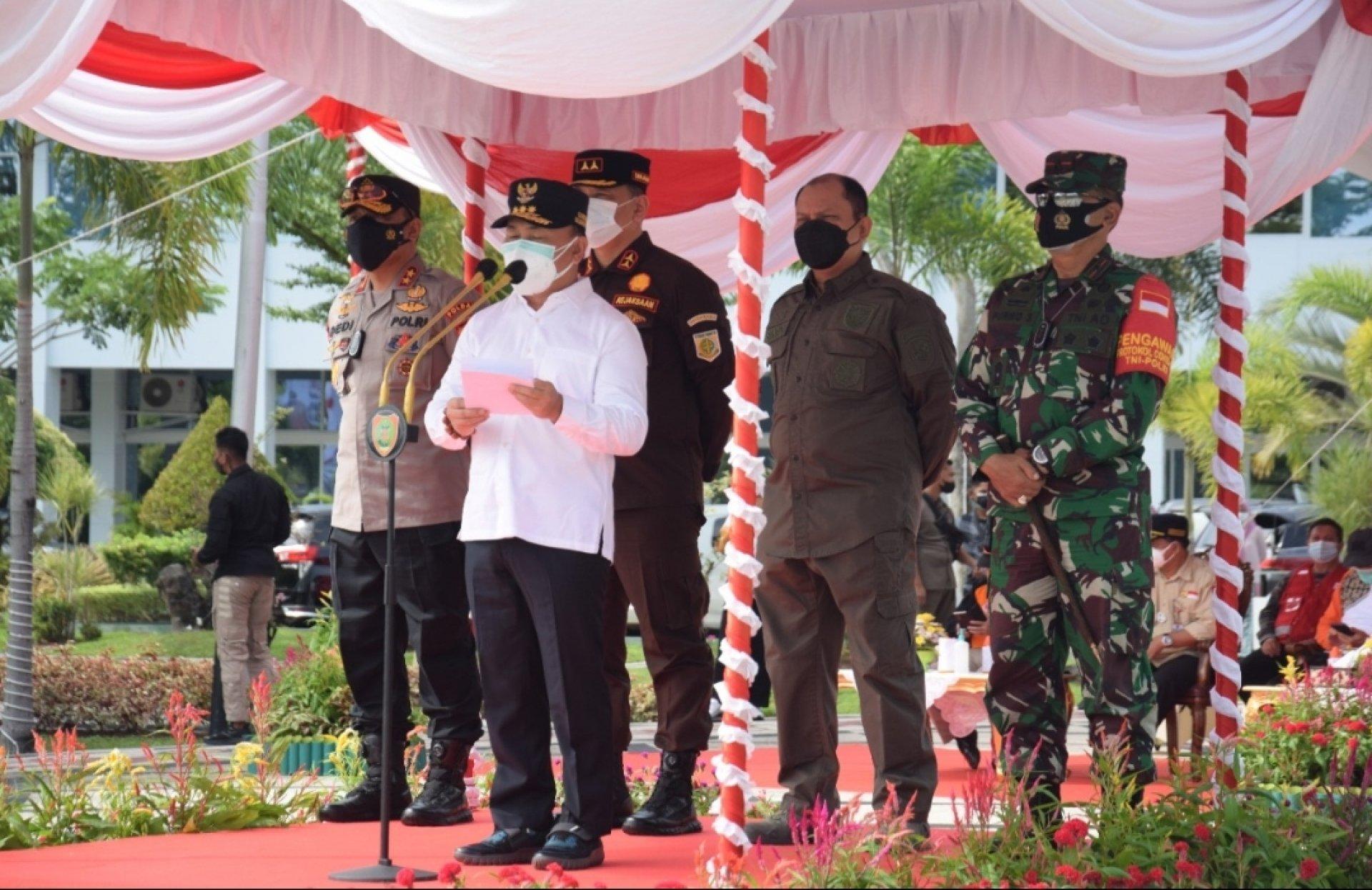 Gubernur Sugianto Sabran Pimpin Apel Gelar Personel dan Sarpras Penanganan Darurat Bencana Banjir di Kalteng