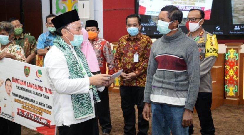 PEMPROV KALTENG SALURKAN BANTUAN SOSIAL TUNAI KEPADA MASYARAKAT TERDAMPAK COVID-19