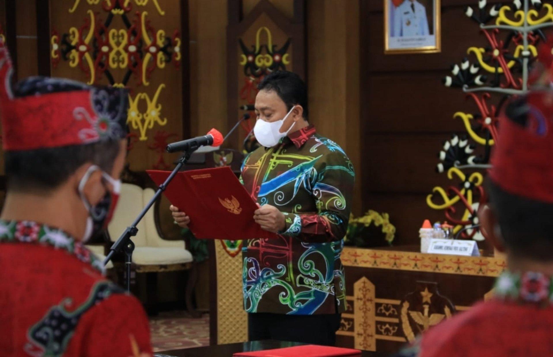 Wagub Kukuhkan Pengurus Lembaga Pengembangan Pesparawi Kalteng Masa Bakti 2021-2026