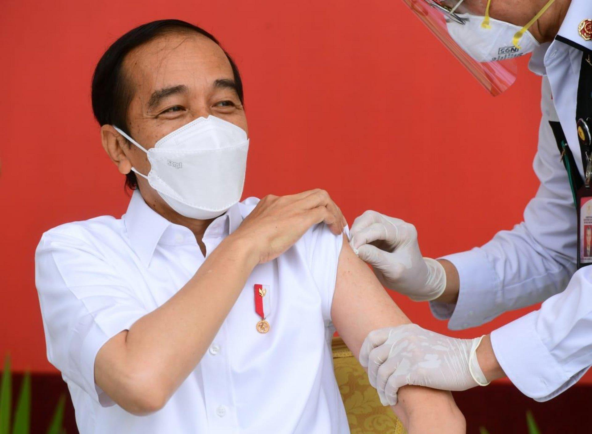 Program Vaksinasi Dimulai, Presiden Jokowi Terima Suntikan Dosis Pertama Vaksin COVID-19