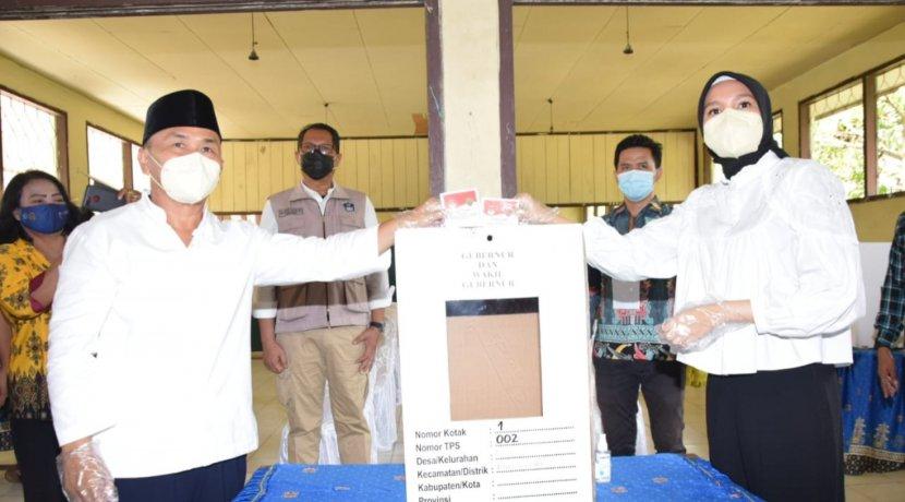 Gunakan Hak Pilih, Gubernur Sugianto Sabran Ajak Masyarakat Patuhi Prokes dan Jaga Terus Kamtibmas Kalteng